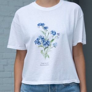 Tops - John Galt Flower Tee 💜